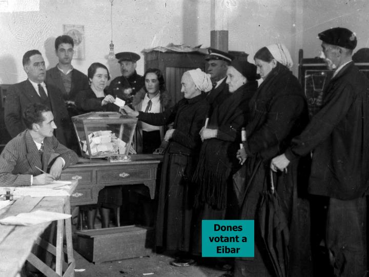 Dones votant a Eibar