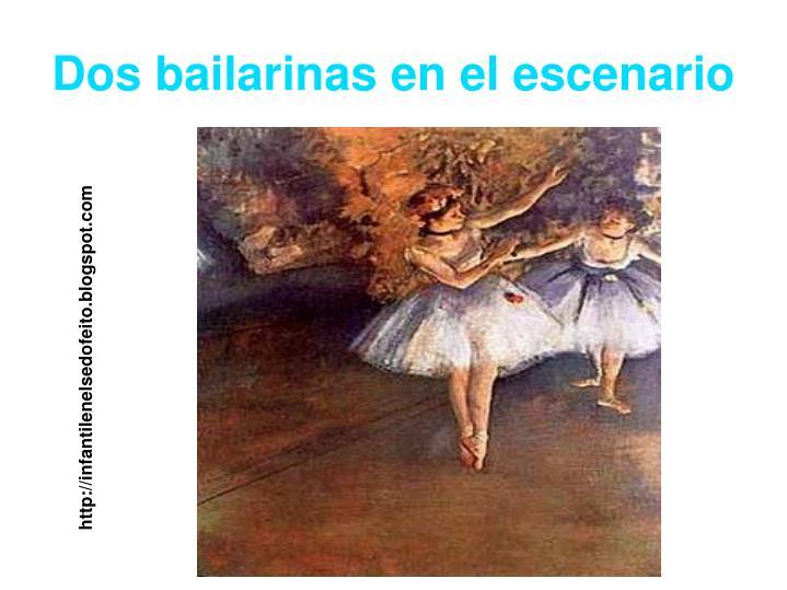 Dos bailarinas en el escenario