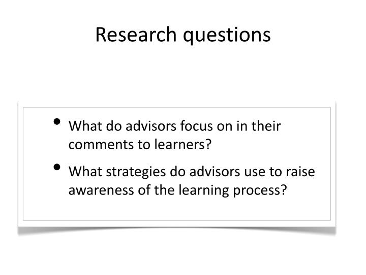 What do advisors focus on in their comments to learners?