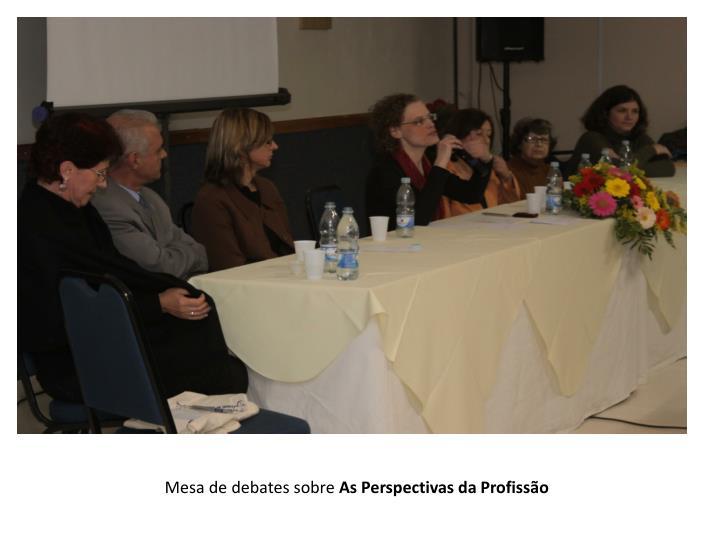 Mesa de debates sobre