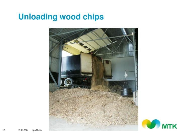 Unloading wood chips
