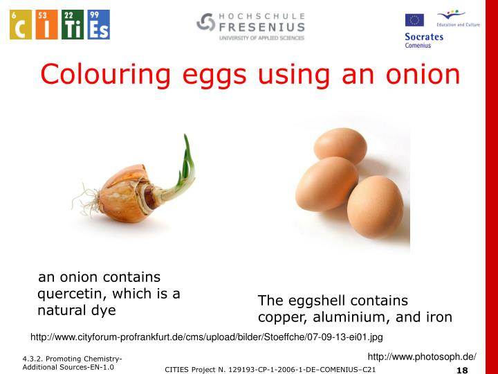 Colouring eggs using an onion
